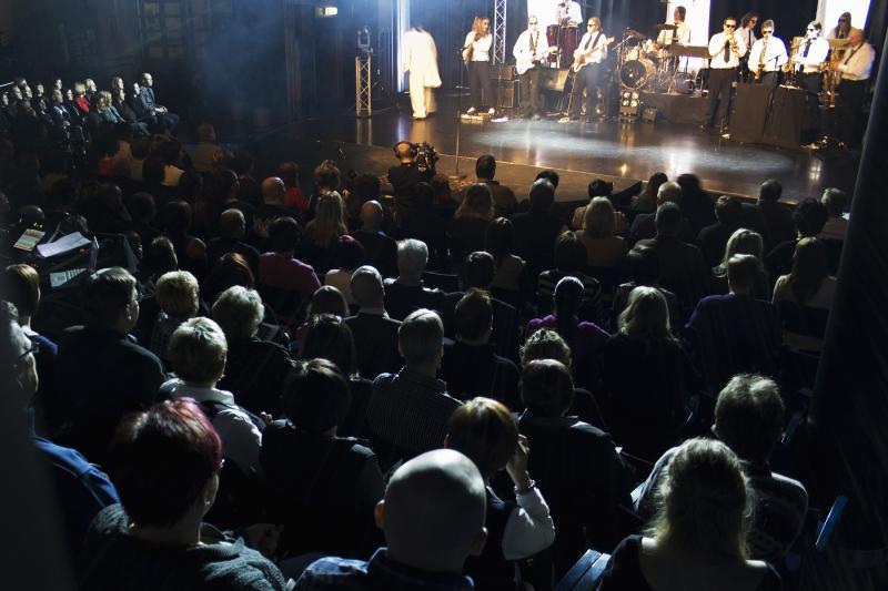 bändi ja yleisö